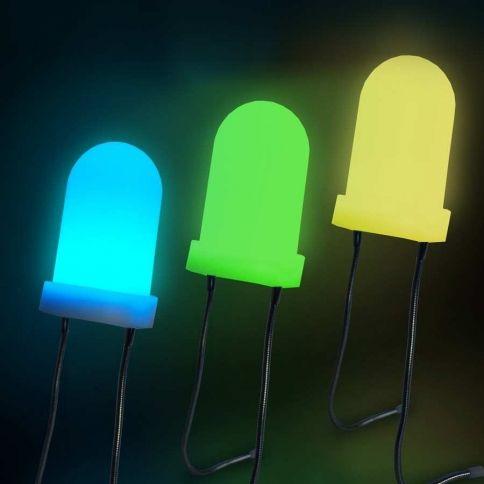 Jättiläisen LED Diodi