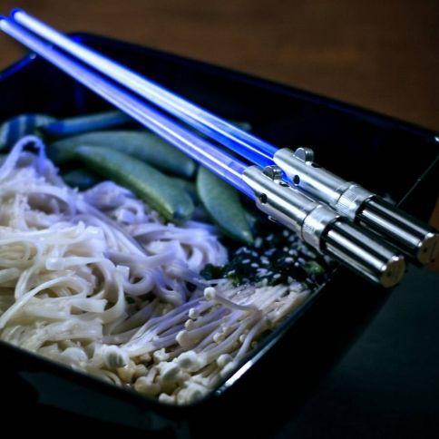 Star Wars Light-Up Chop Sabres Syömäpuikot
